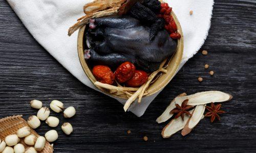 Cách làm gà ác tiềm thuốc bắc cực kỳ thơm ngon và dinh dưỡng