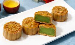Cách làm bánh trung thu đậu xanh lá dứa thơm ngon, dẻo mịn mướt