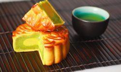 Cách làm bánh trung thu nhân trà xanh thơm ngon, hương vị khó quên